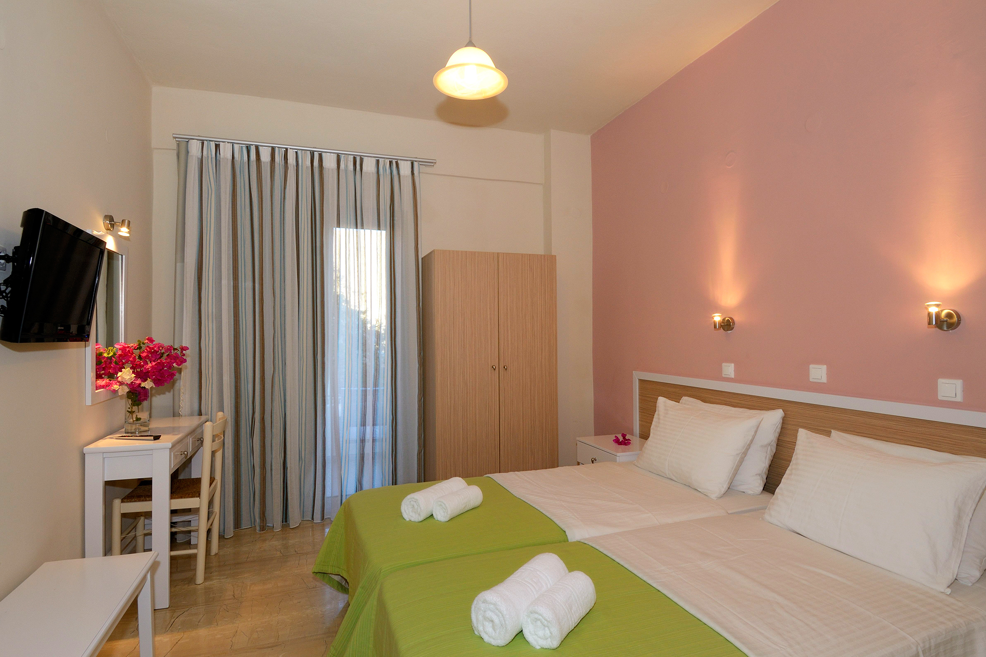 Costas & Chrysoula rooms & apartments